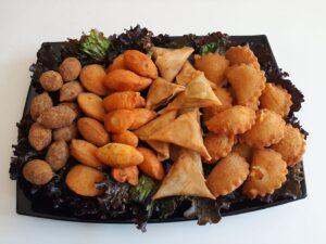 Cocktail Sortido - Rissóis de Carne, Rissóis de Camarão, Croquetes de Carne, Pastéis de Bacalhau, Chamuças de Carne